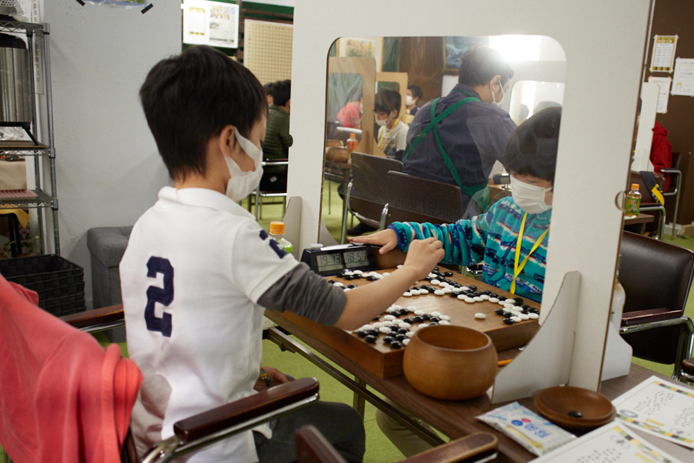 子ども囲碁大会の対局風景⑧